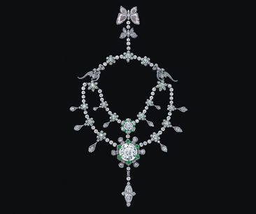 "104-carat ""A Heritage in Bloom"" Diamond Necklace Unveiled"