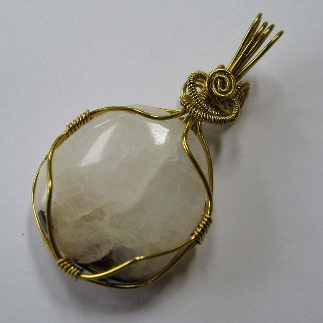 cryolite pendant