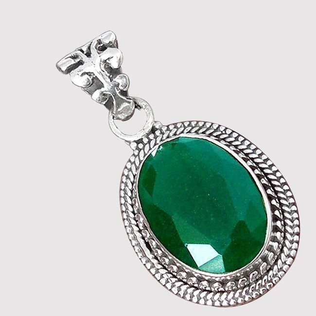 emerald gemstone pendant