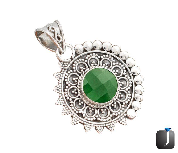 emerald quartz silver pendant