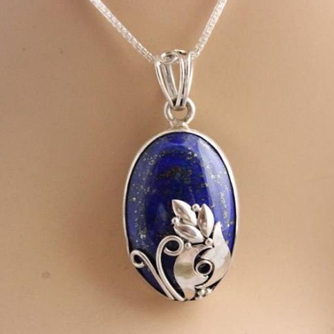 lapiz lazuli oval pendant