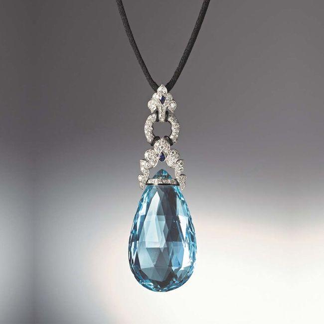 marzo aquamarine pendant