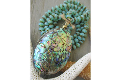 How to Retain Beauty of Your Abalone Jewelry?