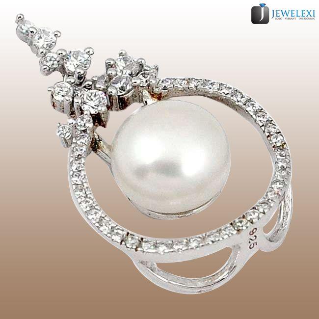 freshwater pearl white topaz