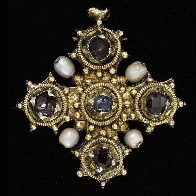 roman empire pearl jewelry