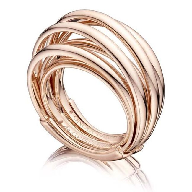 rose gold de grisogono ring with seven interlocking rings
