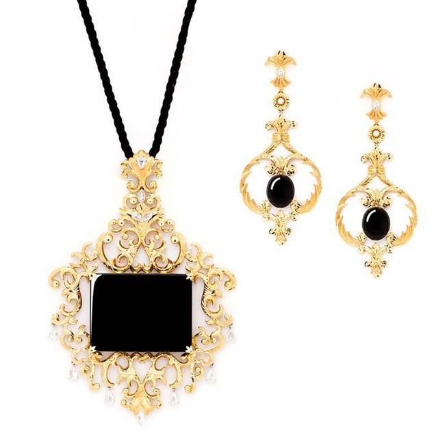 Zhaoyi Baroque Black Jadeite Pendant and Earrings