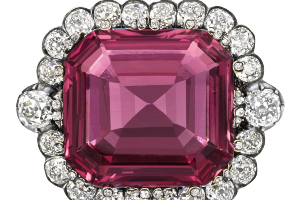 """""""Hope Spinel"""" Gets Auctioned At Record Price"""
