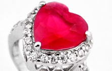 Attraction of Gemstones too Catches the Focus of Other Towards You