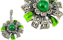 Spot out a Fascinating Collection of Green Chalcedony Jewelry