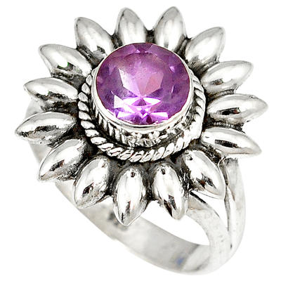 Tips to Choose a Perfect Jewelry Gift for Her 18th Birthday