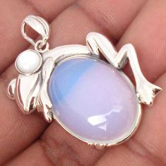 ATTRACTIVE 925 SILVER NATURAL WHITE OPALITE PEARL FROG PENDANT JEWELRY H17908