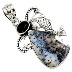 14.40cts natural white dendrite opal (merlinite) 925 silver fish pendant d42356
